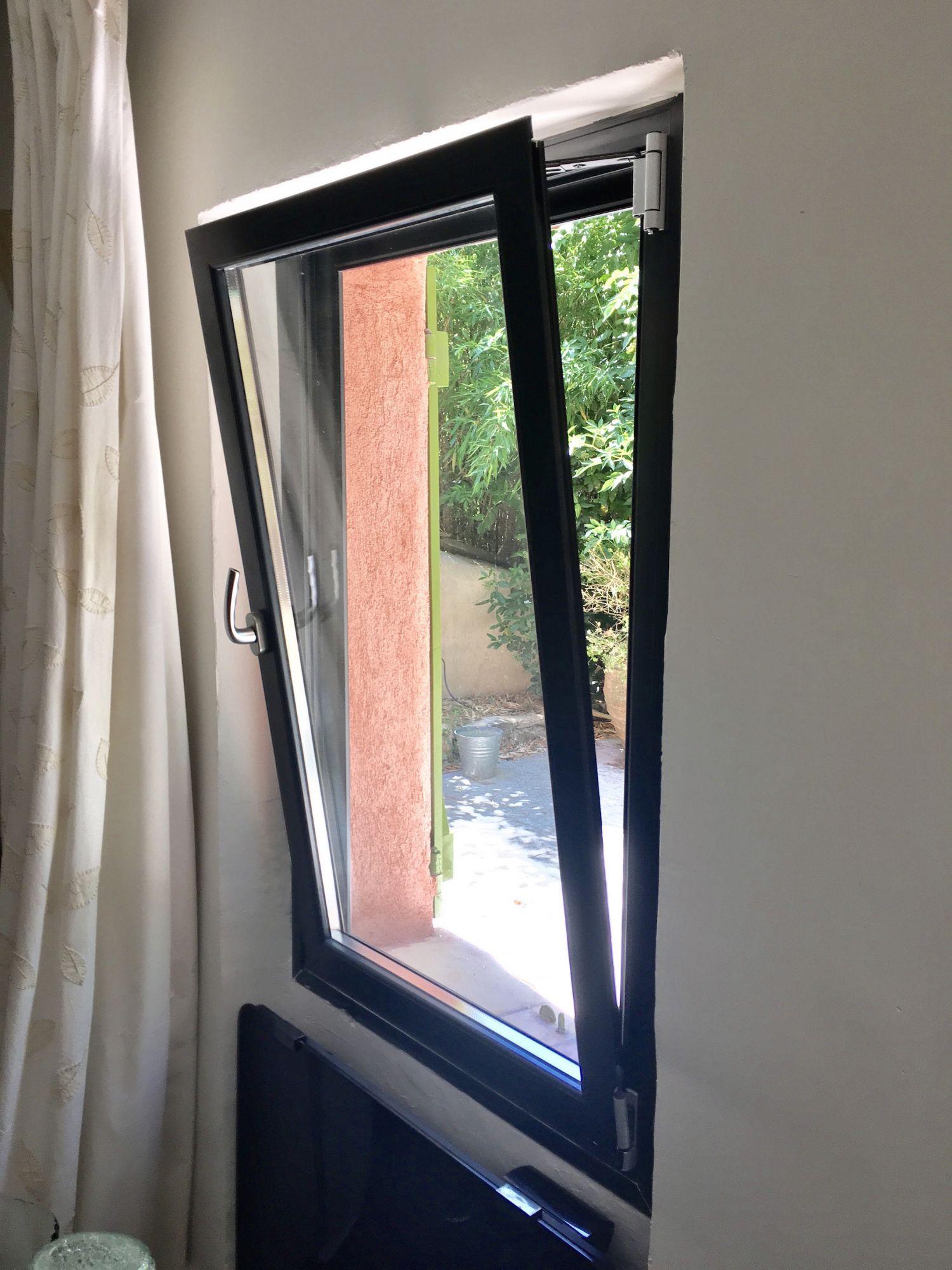 Fenêtre En Aluminium Oscillo Battante à Aix Les Milles Morenove