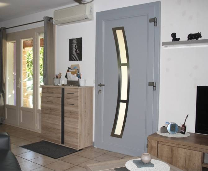 Les portes d 39 entr e en aluminium sur aix en provence mo 39 renove for Les portes aluminium
